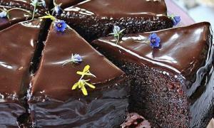 طرز تهیه «کیک خیس»؛ بدون فر کیک شکلاتی خوشمزه بپزید