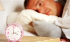 غذاهایی که باعث خواب بد می شوند