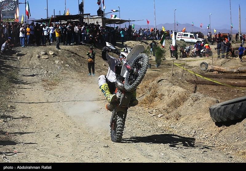 تک چرخ زدن مسابقات قهرمانی موتورسواری انتخابی تیم ملی