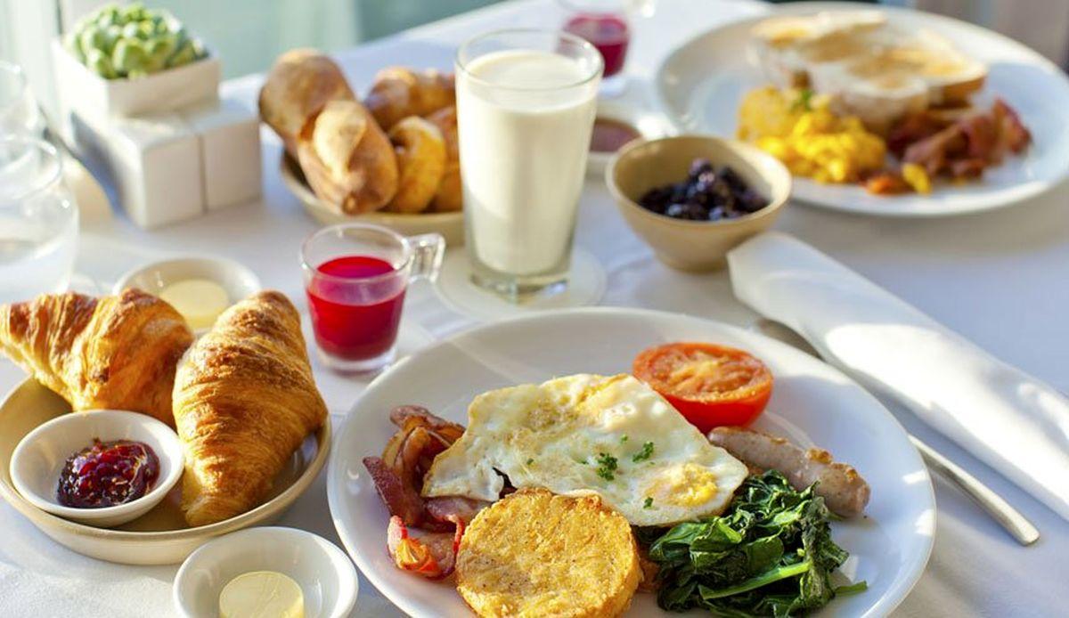 ۲۰ صبحانه گرم، فوری و خوشمزه برای شروع روز پرانرژی