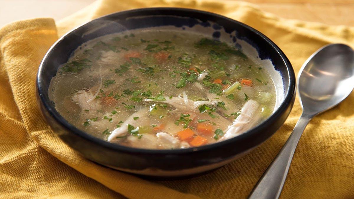 ۴ دلیل برای مصرف بیشتر سوپ