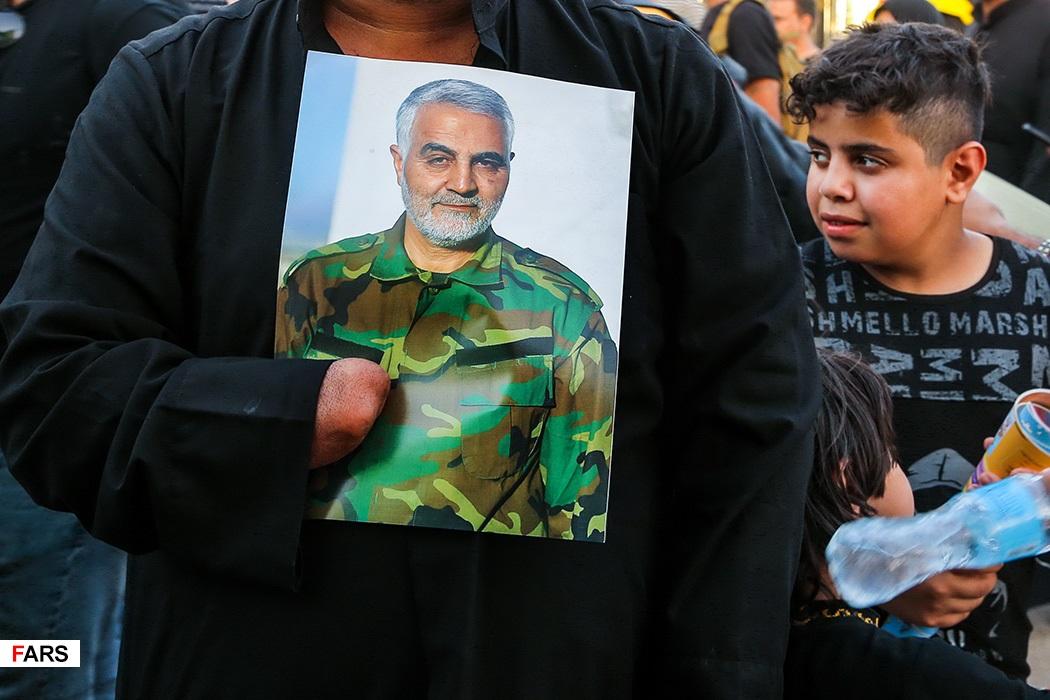 عکس/ قدم قدم به یاد سرداران مقاومت در پیاده روی اربعین