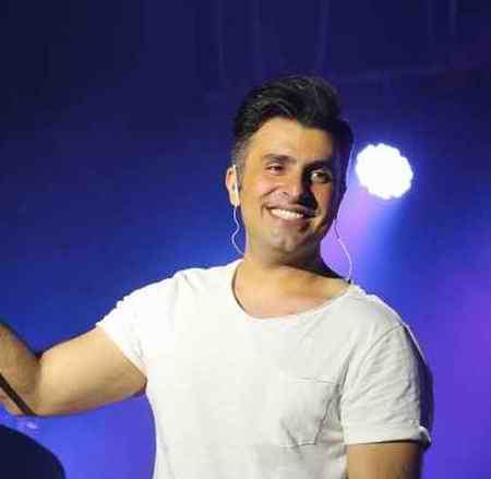 اجرای آهنگ «دلی» با صدای علیرضا طلیسچی