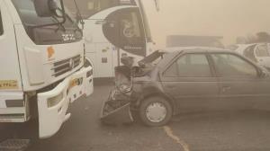 تصادف زنجیرهای ۲۰ خودرو در جاده نیشابور به سبزوار