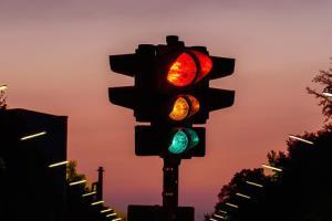 تجهیز ۳ تقاطع مشهد به سیستم فرماندهی چراغ راهنمایی رانندگی