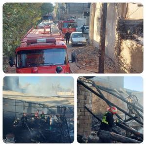 آتش سوزی یک کارگاه چوب بری در خمینی شهر