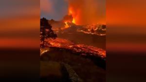 ورود گدازههای آتشفشانی به داخل خانهها در اسپانیا!