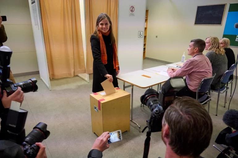برای اولین بار در اروپا؛ زنان ایسلند برنده اکثریت کرسیهای پارلمان