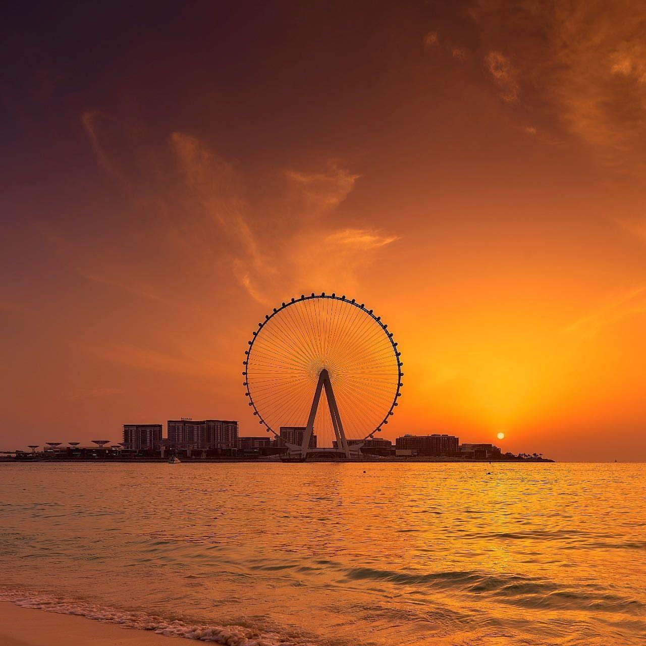 نمایی از بلندترین چرخ و فلک جهان در دبی با ۲۵۰ متر ارتفاع