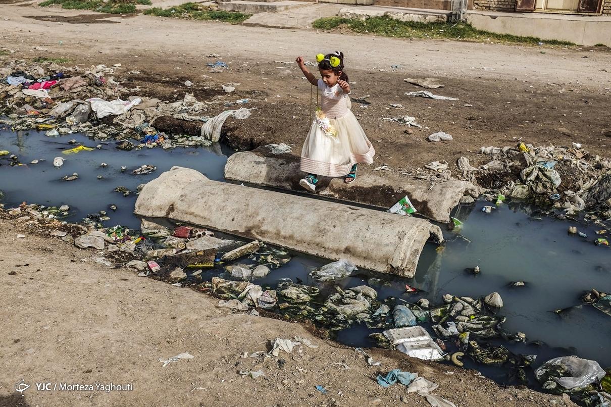 عکس/ کوی سیاحی اهواز اسیر فاضلاب
