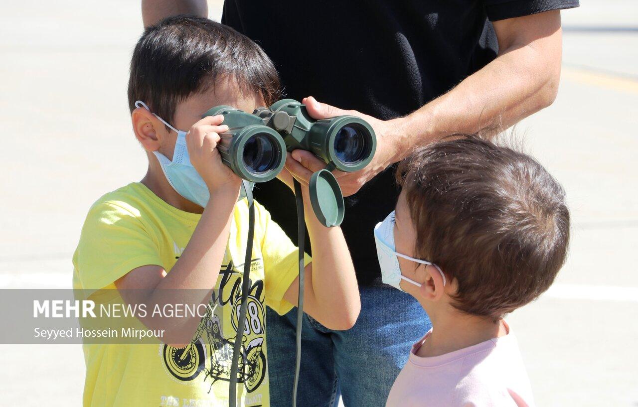 نمایشگاه هفته دفاع مقدس در مشهد