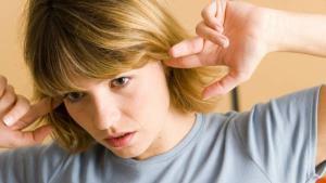 شنیدن صدای نبض در گوش نشانه این اختلالات و بیماری های جدی است