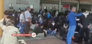 جمعیت زائران پشت درهای بسته مرز شلمچه