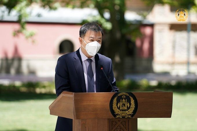 چین خواستار لغو تحریمهای اقتصادی افغانستان شد