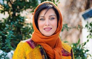 چهره ها/ تیپ مهتاب کرامتی در اکران فیلمی کوتاه