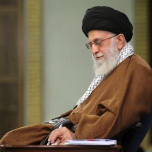 پاسخ رهبر انقلاب به استفتائی درباره «برگزاری مراسم در ساعات اداری»