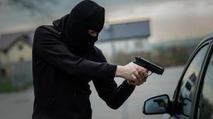 ماجرای درگیری مسلحانه دزد و پلیس در اتوبان همت!