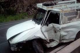اقدام زیبای اهالی روستای دالینِ سپیدان، بعد از تصادف خودروی حامل بار سیب