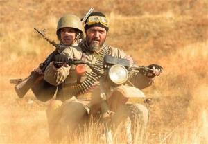 کامبیز دیرباز: قهرمان جدیدی را با تکتیرانداز به ویترین سینمای ایران اضافه کردیم