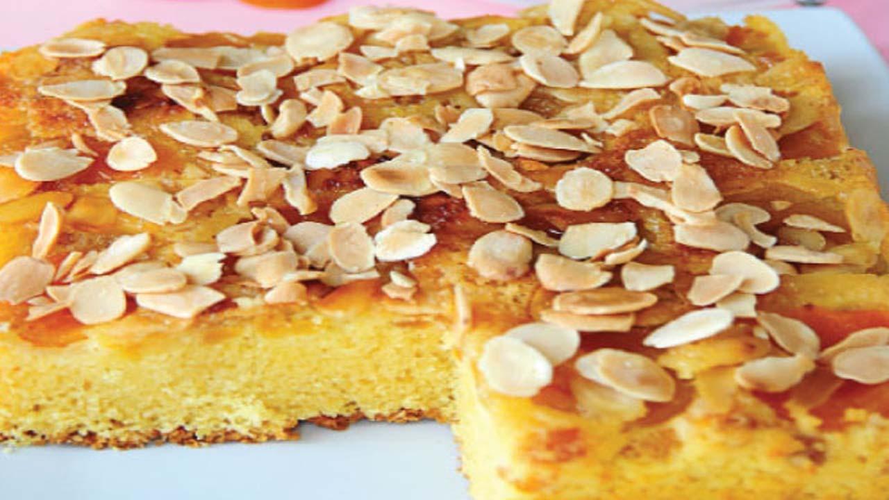 طرز تهیه کیک زردآلو و بادام