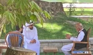 انتشار تصویر اشرف غنی با مسؤول اماراتی قبل از ترک کابل