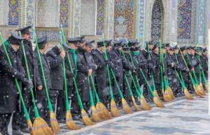 آیین جاروکشی حرم امام رضا با قدمتی 400 ساله!