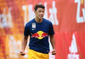 واکنش لژیونر تیم ملی کره جنوبی به شرایط خاص ورزشگاه آزادی