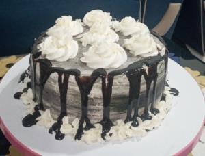 از شما/کیک شکلاتی😋😋😋