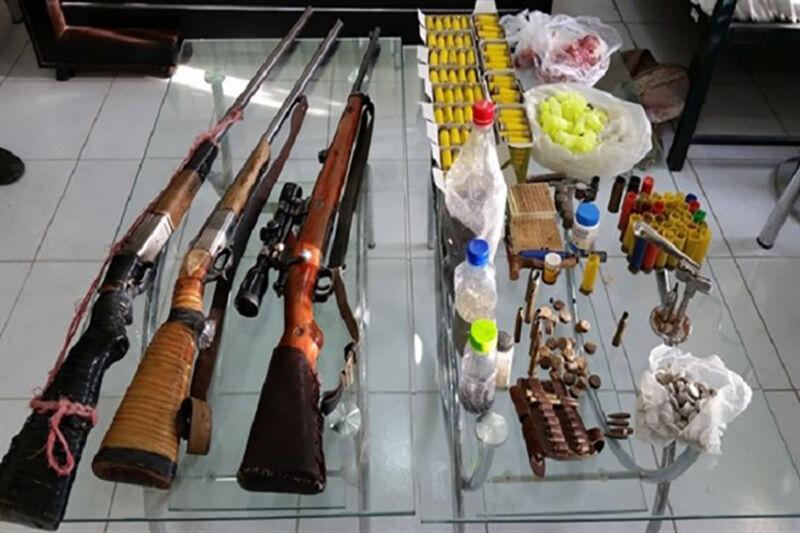 کشف ۳ قبضه سلاح شکاری و لاشه ۲ قطعه کبک در زنجان