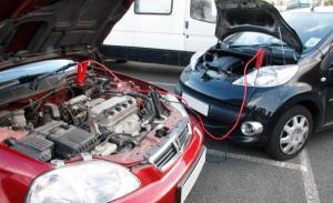 آموزش ساده باتری به باتری و بستن زنجیر چرخ