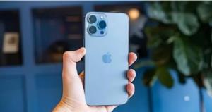 دوربین ماکرو آیفون ۱۳؛ قابلیتی ضروری برای همه گوشیها یا یک ویژگی ناکارآمد؟