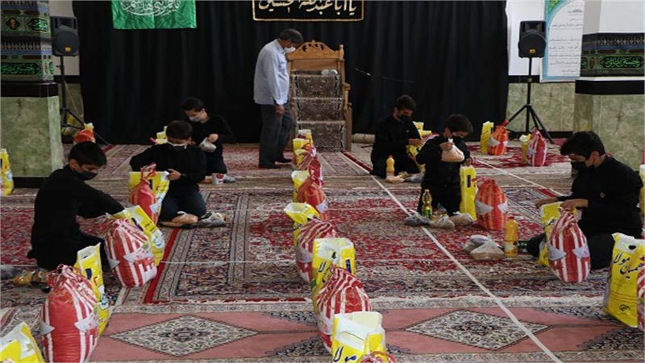 توزیع ۸۲ هزار بسته معیشتی و غذای گرم بین نیازمندان خراسان شمالی