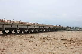 ماجرای پلی که در جیرفت سوراخ شد؛ ۱۰ هزار نفر و تنها یک پل