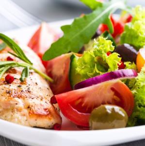 «بشقاب سبزیجات»؛ غذای رنگی رنگی و سالم