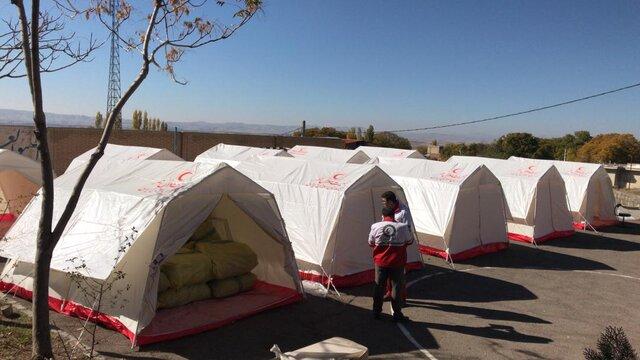 85 خانواده زلزلهزده کوهرنگی در چادرهای هلالاحمر مستقر شدند