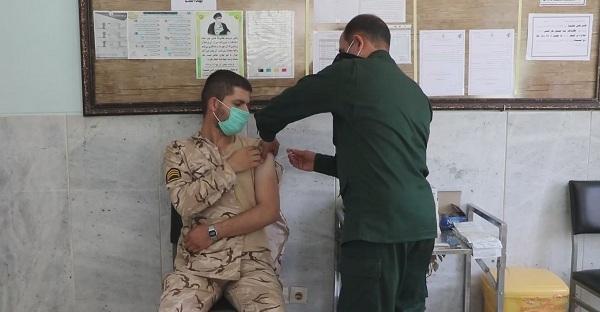 واکسینه شدن سربازان وظیفه در بندرعباس