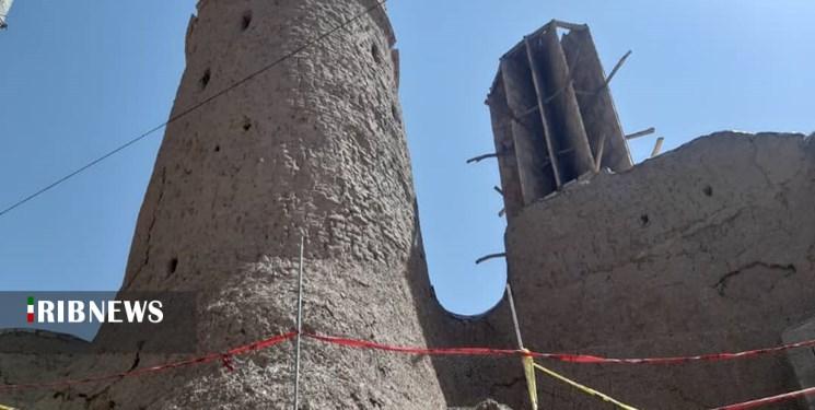 سر برآوردن حمام تاریخی از زیر خاک در منطقه آباده سیرجان