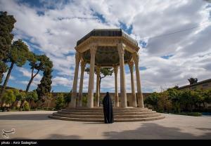پا در کفش خواجه شیراز؛ شوخی شاعران با حافظ پس از ۶۰۰ سال