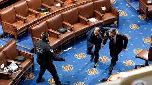 مقام سابق پلیس آمریکا:روز حمله به کنگره فرمانده عملیات تلویزیون تماشا میکرد!