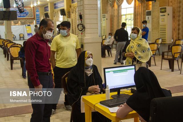 رئیس دانشگاه علوم پزشکی بوشهر: کارمندان واکسنگریز هفتهای یکبار تست کرونا بدهند