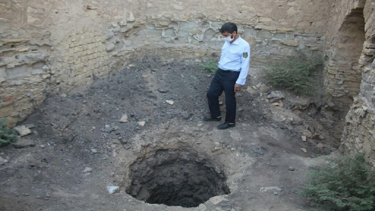 دستگیری حفاران غیرمجاز در کاروانسرای تاریخی محمد آباد کاج قم