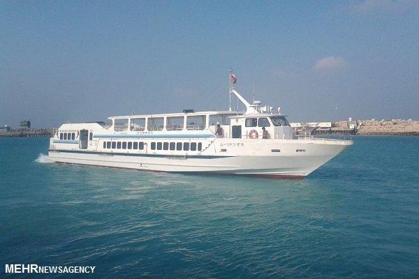 یک فروند شناور مسافربری برای تردد اهالی جزیره خارگ اختصاص یافت