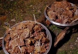 طبخ «لای پلو» معروف ترین غذای عشایری در عروسی قشقایی ها