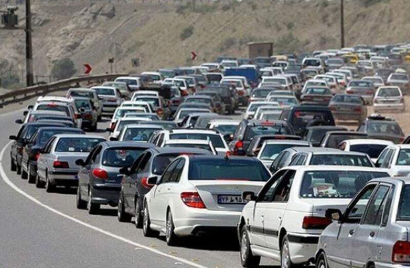 ترافیک جاده کرج ـ چالوس سنگین است