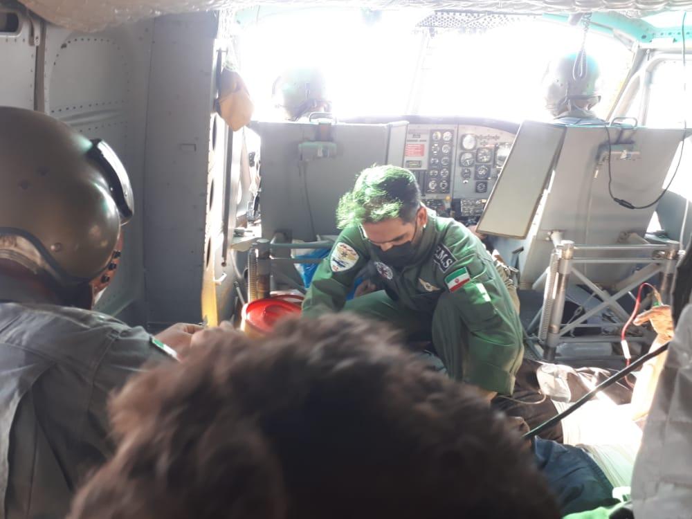 واژگونی نیسان در سالند دزفول ۱۵ نفر را روانه بیمارستان کرد