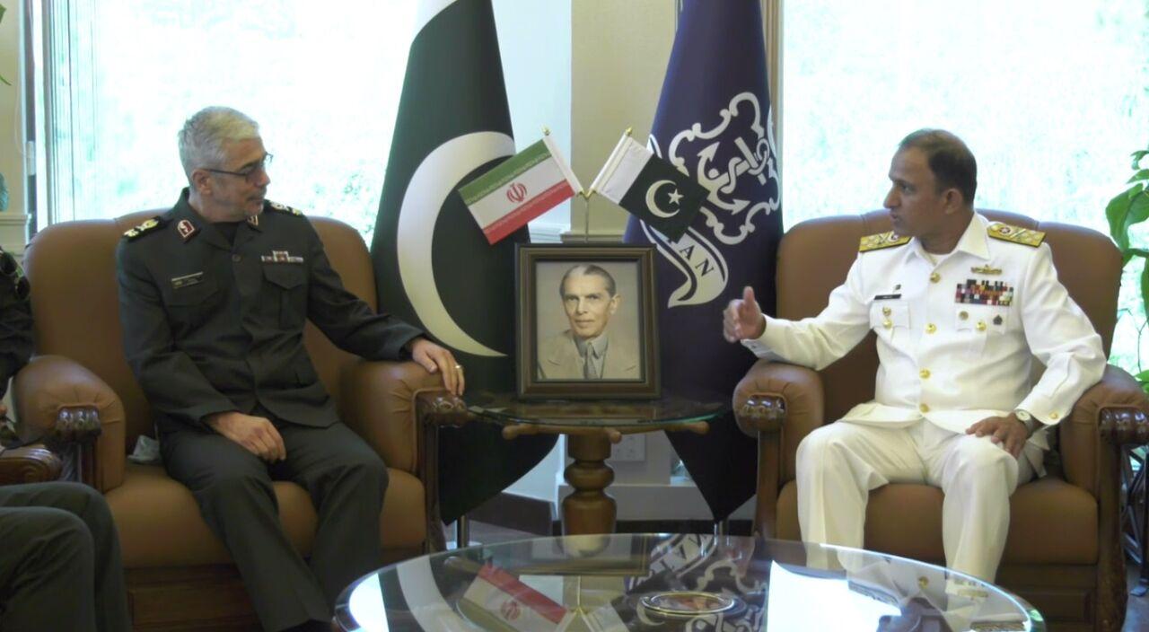 دیدار سردار باقری با فرمانده نیروی دریایی پاکستان