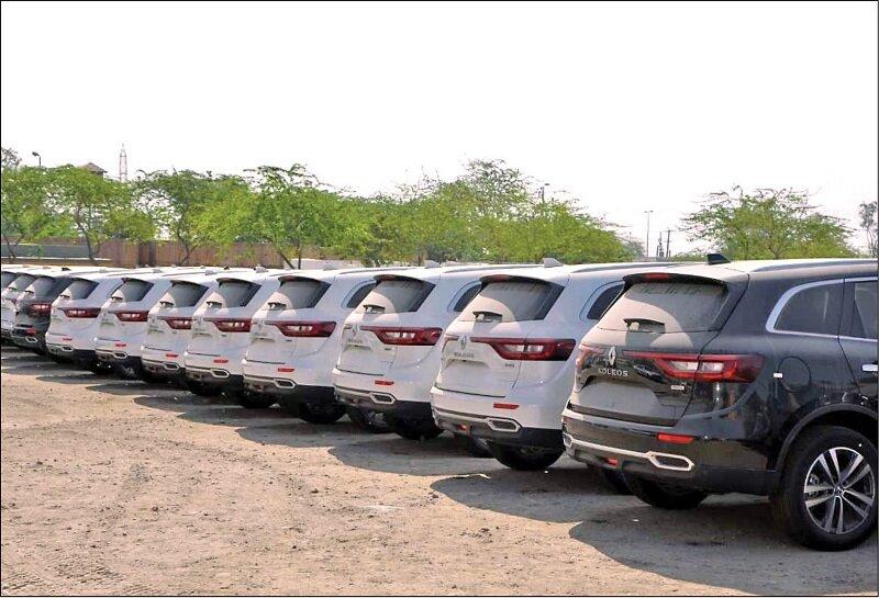 برای تعدیل قیمتها باید به واردات برخی خودروها مجوز دهیم