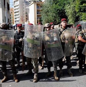 بررسی علت و عامل ناآرامی های بیروت و تیراندازی به معترضان مقابل دادگستری