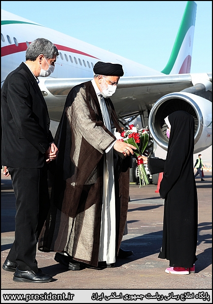 عکس/ رئیسی به شیراز رفت