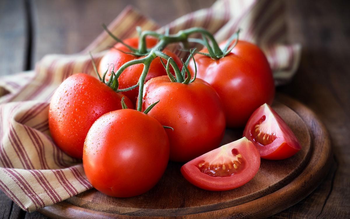 تعطیل بود، بار نرسید، قیمت گوجه چهار برابر شد!